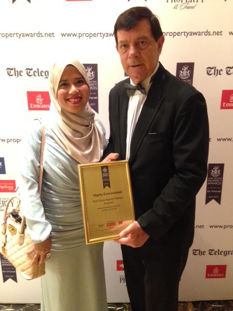 Bill Russell (R) with Ms Zaidatul Adawlyah Zaki (Raine & Horne Malaysia)