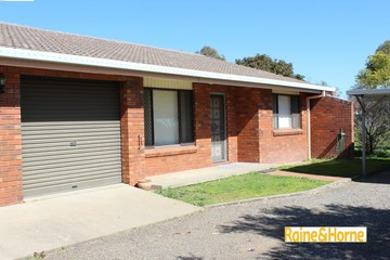 Recently Sold 2/8 Illoura Street, TAMWORTH, 2340, New South Wales