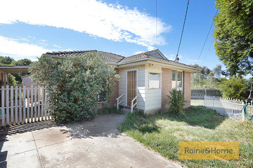 Recently Sold 2/10 Leicester Crescent, MELTON, 3337, Victoria