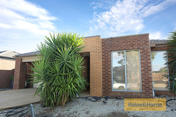 Recently Sold 33 Moonah Avenue, BROOKFIELD, 3338, Victoria