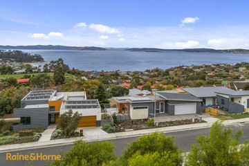 Recently Sold 11 Caladium Place, BLACKMANS BAY, 7052, Tasmania