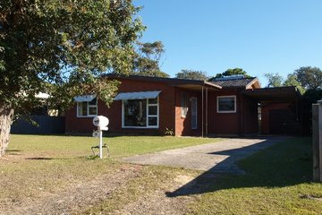 Recently Sold 28 McIntosh Street, SHOALHAVEN HEADS, 2535, New South Wales