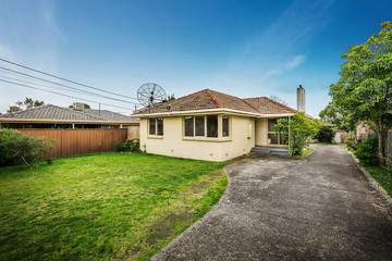Recently Listed 1/1 SUMMIT CRESCENT, GLEN WAVERLEY, 3150, Victoria