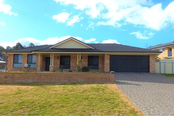 Recently Sold 12 HAMBROOK PLACE, YOUNG, 2594, New South Wales