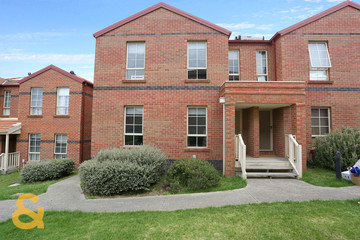 Recently Sold 34/22 The Ridge, ROXBURGH PARK, 3064, Victoria