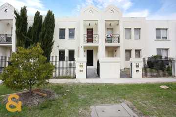 Recently Sold 77 Rossiter Avenue, ROXBURGH PARK, 3064, Victoria