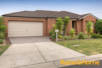 Sold 2/9 Carly Close, NARRE WARREN SOUTH, 3805, Victoria