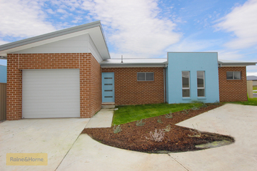 Sold 1/40 Wentworth Drive, KELSO, 2795, New South Wales