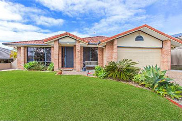 Recently Listed 8 Urunga Drive, POTTSVILLE, 2489, New South Wales