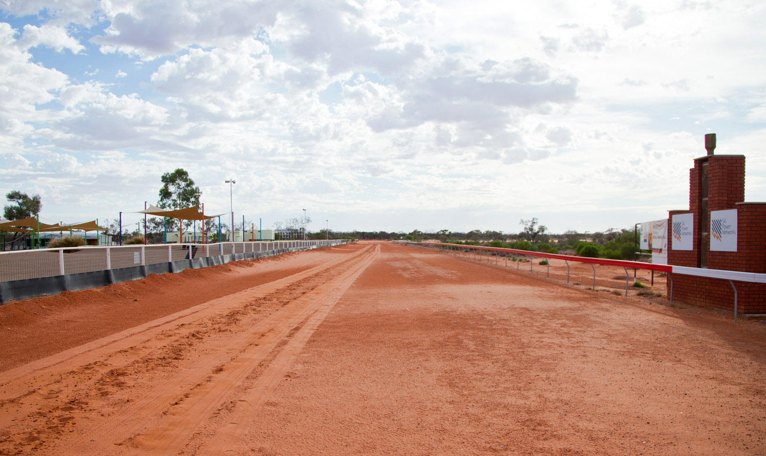 Raine & Horne Roxby Downs Sponsored Roxby Race Course