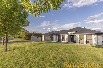 Recently Sold 27 Lakeside Circuit, DUBBO, 2830, New South Wales