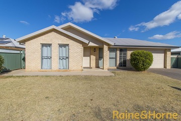 Recently Sold 15A Dunheved Circle, DUBBO, 2830, New South Wales