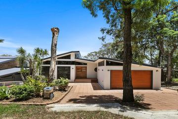 Recently Listed 31 Coondooroopa Dr, Macleay Island, 4184, Queensland