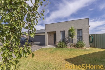 Recently Sold 16 Dalbeattie Crescent, DUBBO, 2830, New South Wales