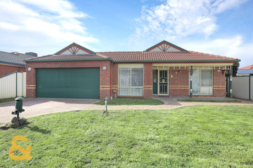 Recently Sold 4 Lachlan Crescent, ROXBURGH PARK, 3064, Victoria