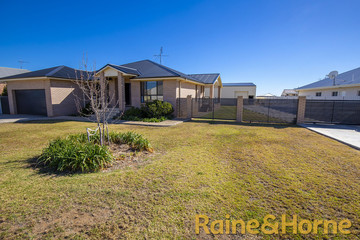 Recently Sold 8 Bowden Fletcher Drive, Narromine, 2821, New South Wales