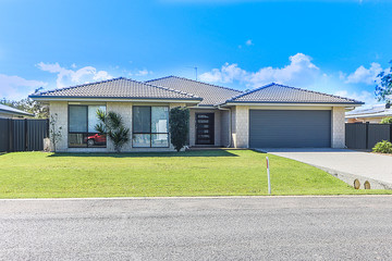 Recently Sold 19 Senorita Parade, Urangan, 4655, Queensland