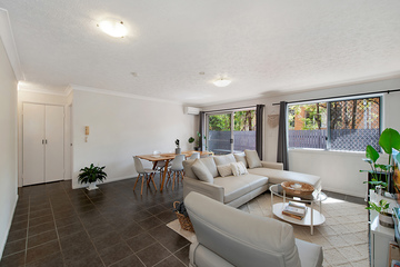 Recently Sold 2/7 Main Avenue, Coorparoo, 4151, Queensland