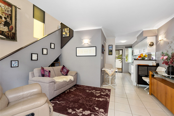 Recently Sold 1/124 Station Road, Indooroopilly, 4068, Queensland