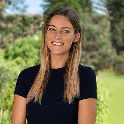 Sabrina Thompson - Social Media Manager